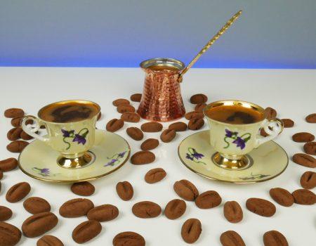 Μπισκότα με γεύση και σχήμα κόκκων καφέ