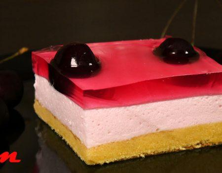 Γλυκό ψυγείου με κεράσι ή φράουλα