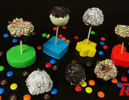 Εύκολα και γρήγορα σοκολατάκια με κέικ (Cake pops)