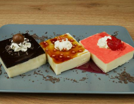 Το πιο εύκολο και γρήγορο γλυκό ψυγείου με γεύσεις φράουλα-σοκολάτα-καραμέλα